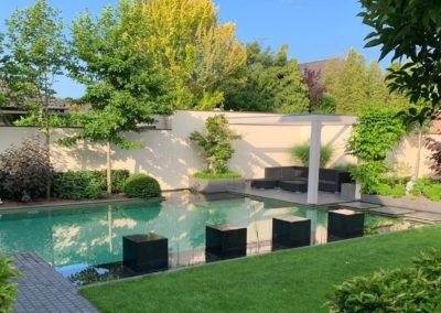 Privatgarten Schwimmteich